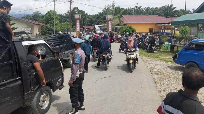 Ramai Dikunjungi Wisatawan, Polisi Tutup Objek Wisata Pemandian Gunung Pandan di Aceh Tamiang