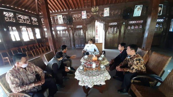 Silaturrahmi Pengurus IKPM Gontor cabang Ngawi dengan Wakil Bupati Ngawi, Ony Anwar, Kamis (11/6/2020).