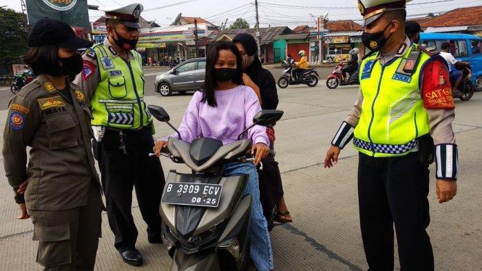 Operasi Ketupat Jaya 2021 di Simpang Bambu Kuning Bojonggede Bogor, Pemudik Belum Ada