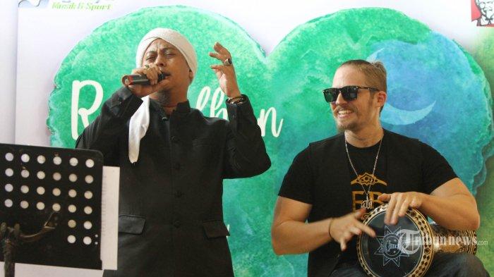 Chord Gitar dan Lirik Lagu Ramadhan Tiba - Opick Dimainkan dari Kunci A: Marhaban Ya Ramadhan