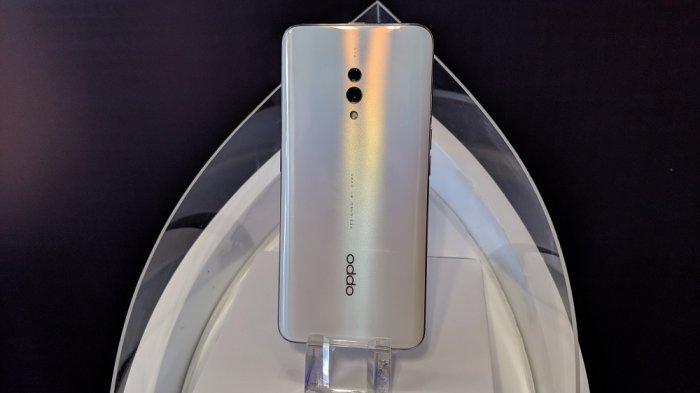OPPO K3 varian warna Pearl White.