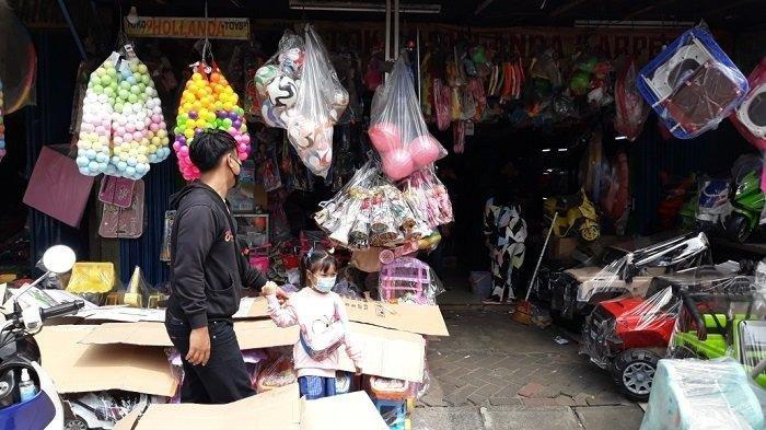 Pedagang Pasar Gembrong Terpaksa Jual Mobil Demi Bertahan di Tengah Pandemi Covid-19