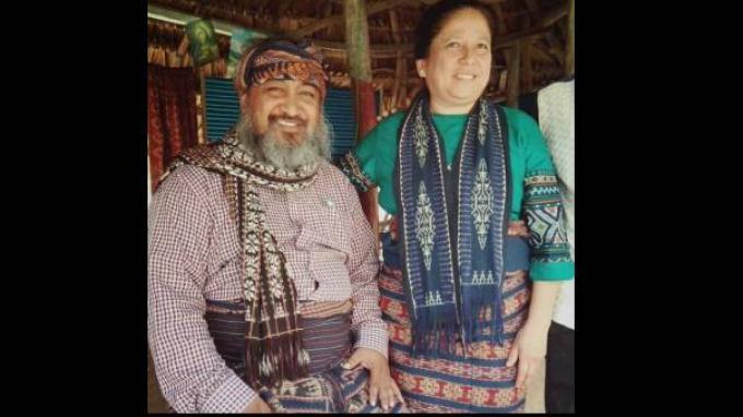 Orient P Riwu Kore (kiri) yang menjadi Bupati terpilih Sabu Raijua Nusa Tenggara Timur diduga masih menjadi warga negara Amerika Serikat (Sumber: akun Facebook Orientriwukore)
