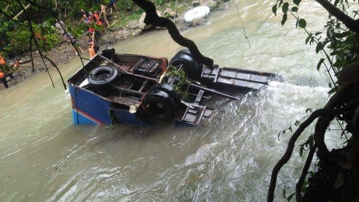 FOTO-foto Penampakan Bus Sriwijaya di Jurang Pagaralam Kedalaman 80 Meter, 27 Korban Meninggal Dunia
