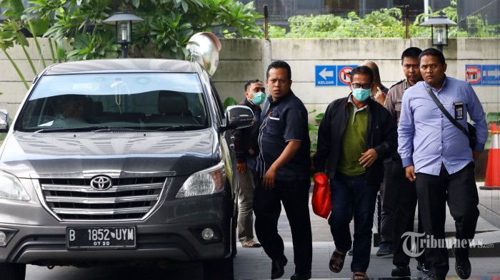 Kronologi OTT KPK di Mesuji: Adik Bupati Ditangkap di Depan Toko Ban