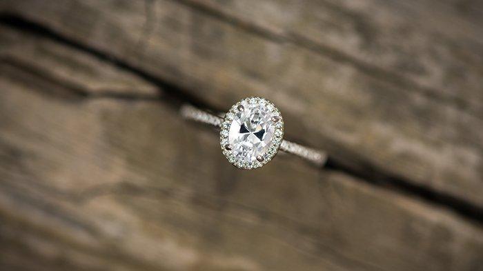 Oval cut diamond ring.
