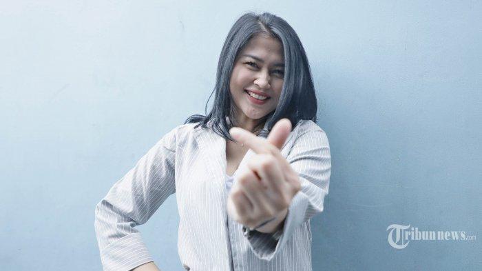 Kisah Pedangdut Ovi Sovianti yang Beken Bersama Duo Serigala, Dulu Bantu Orangtua Jualan Nasi Goreng