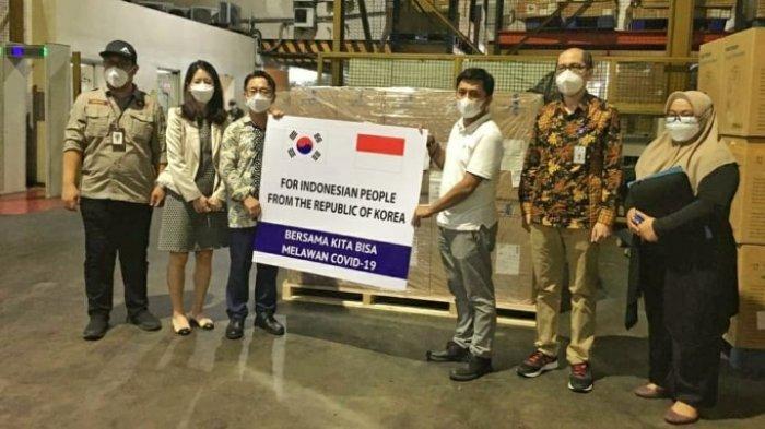200 Unit Oxygen Concentrator Bantuan dari Korsel Tiba di Indonesia