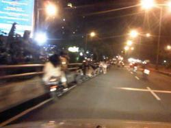 Nekad, Sepasang Remaja di Surabaya Bercinta di Atas Motor, Ini yang Terjadi Selanjutnya