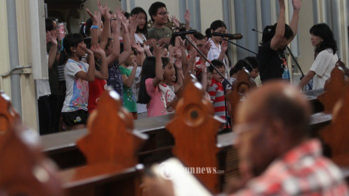 Konser Anak-anak Ramaikan Misa Malam Natal Pertama di Gereja Katedral Jakarta