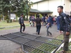 Demo Mahasiswa Unej Ricuh