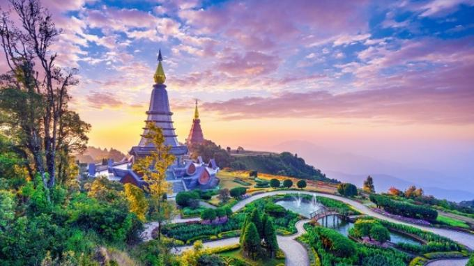 Pagoda terkenal di taman nasional Doi Inthanon di Chiang Mai, Thailand