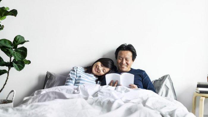 Pakai Selimut Terpisah dengan Pasangan Bisa Tingkatkan Kualitas Tidur lo!