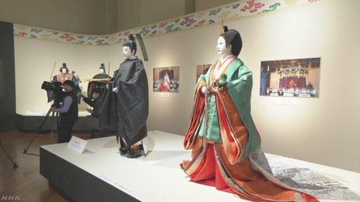 Pakaian resmi Kaisar dan Permaisuri saat penobatan menjadi Kaisar Baru Jepang ikut dipamerkan di Museum nasional di Ueno Tokyo Jepang hingga 19 Januari 2020.