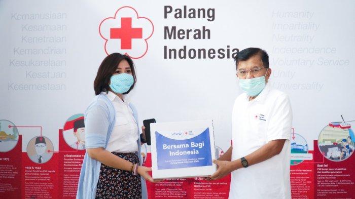 Vivo Bersama PMI Salurkan 2.450 Paket Sembako ke Warga Terdampak Covid-19