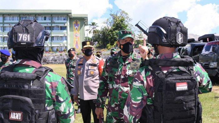 Pangdam XVIII/Kasuari dan Kapolda Papua Barat Pimpin Apel Gelar Pasukan Pengamanan Kunjungan Wapres