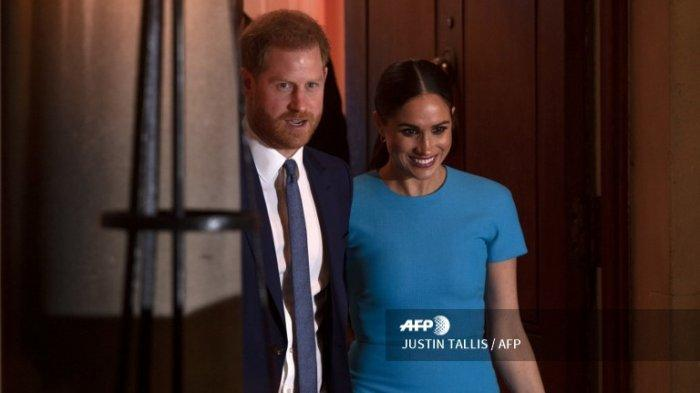 Pangeran Harry dan Meghan Markle meninggalkan lokasi acara  Endeavour Fund Awards di Mansion House, London 5 Maret 2020