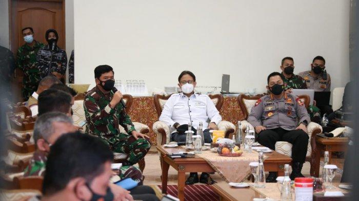 Di Bangkalan, Panglima TNI Tekankan Pentingnya Protokol Kesehatan Meski Sudah Divaksin