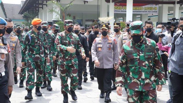 Panglima TNI dan Kapolri Tinjau PPKM Skala Mikro di Kelurahan Maguwoharjo Yogyakarta
