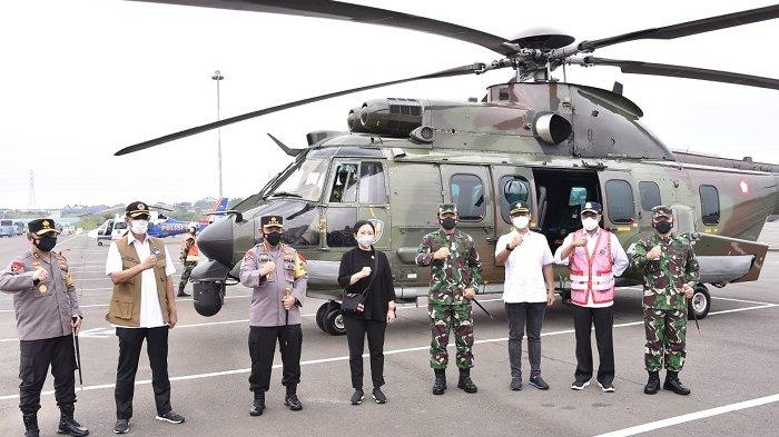 Panglima TNI dan Pejabat Lainnya Tinjau Posko Penyekatan Mudik di Tol Cikarang Barat