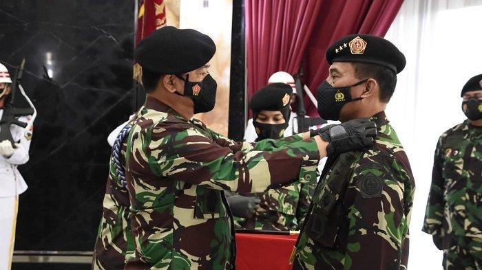 Panglima TNI Terima Penyerahan Jabatan Danjen Akademi TNI Dari Marsdya TNI Tamsil Gustari Malik