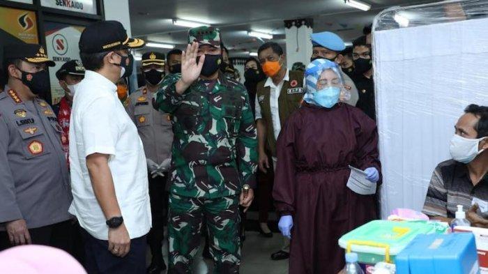 Panglima TNI Cek Pencapaian Vaksinasi Saat Inspeksi 2 Lokasi di Kawasan Jaktim