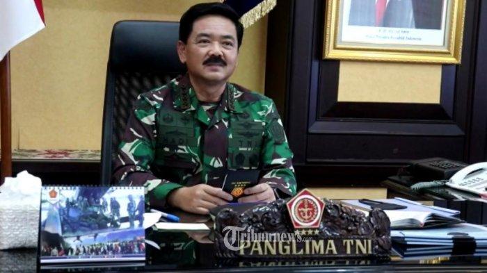 Ketika Personel TNI di Perbatasan Papua Mendapat Bingkisan Lebaran dari Panglima TNI