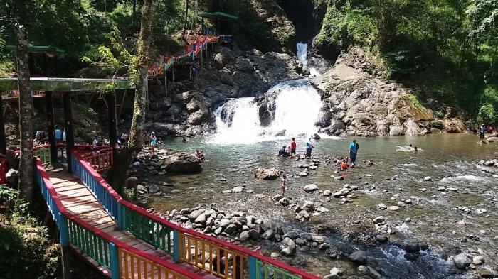 Hebat! Warga Kampung Ini 2,5 Bulan Gotong-royong Buat Jalan dan Jembatan untuk Objek Wisata