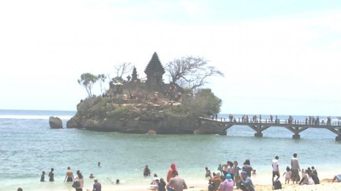 4 Tempat Wisata Hits di Malang Selatan, Pantai Balekambang ...