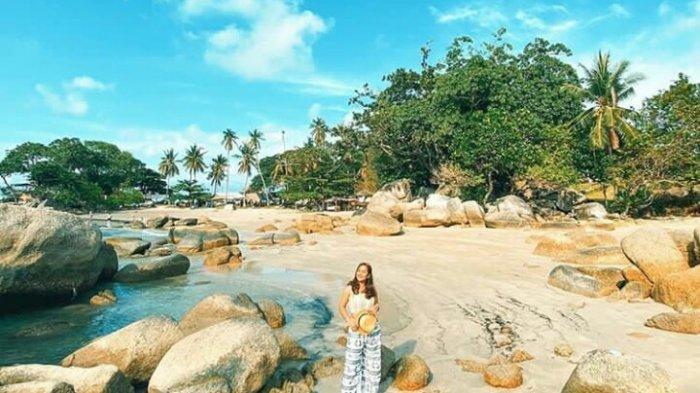 Pantai Penyusuk di Belitung