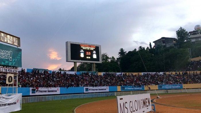 Papua unggul 2-0 atas Aceh pada babak pertama final PON XX Papua di Stadion Mandala, Jayapura, Kamis (14/10/2021).