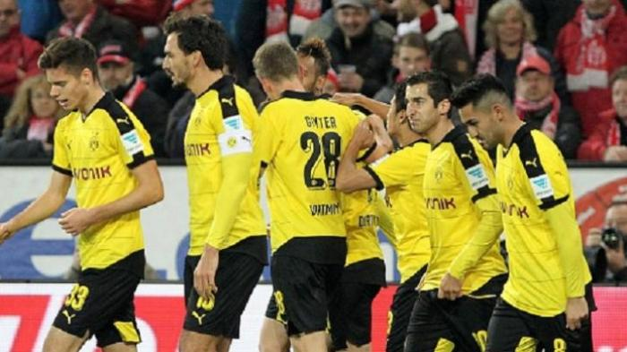 Para pemain Borussia Dortmund sebelum kompetisi dihentikan