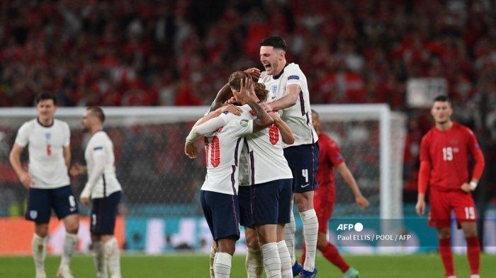 Para pemain Inggris merayakan setelah memenangkan pertandingan sepak bola semifinal UEFA EURO 2020 antara Inggris dan Denmark di Stadion Wembley di London pada 7 Juli 2021.