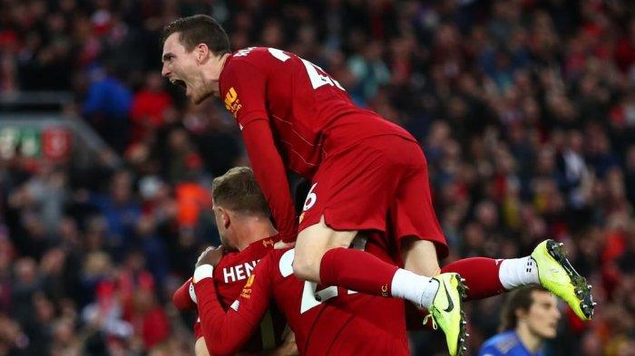 Para Pemain Liverpool Merayakan Gol