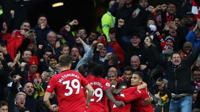 Para Pemain Manchester United Berpelukan usai Gol Marcus Rashford ke gawang Liverpool Minggu ((20/10/2019) @manchesterunited)
