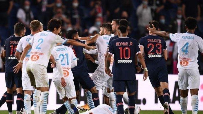 Ricuh! Lima Kartu Merah Warnai Pertandingan PSG Kontra Marseille