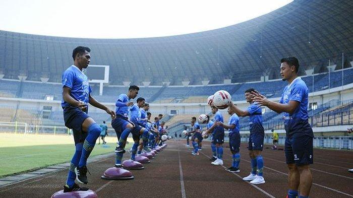 Build-up Serangan jadi Tajuk Utama Latihan Persib Bandung Jelang Liga 1 2020