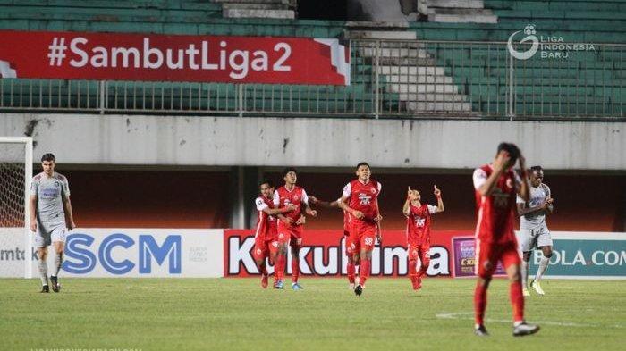 Para pemain Persija Jakarta merayakan gol yang dicetak oleh Braif Fatari pada laga kontra Persib Bandung di leg pertama final Piala Menpora 2021.