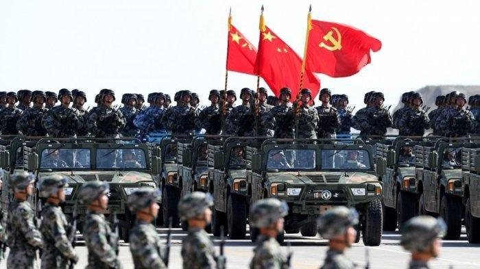 Parade kekuatan militer China.