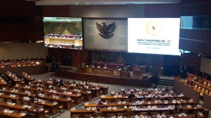 DPR Lantik 3 Anggota PAW Gantikan Menkominfo-Mensos-Menkumham