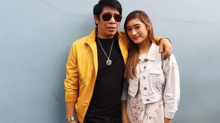 Parto Patrio ditemui bersama putrinya, Amanda Caesa Addiva di gedung Trans TV, Jalan Kapten Tendean, Mampang Prapatan, Jakarta Selatan.