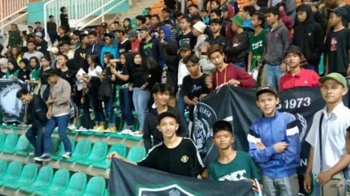 PAS 1973 saat memberikan dukungan langsung di Stadion Pakansari, Cibinong, Kabupaten Bogor