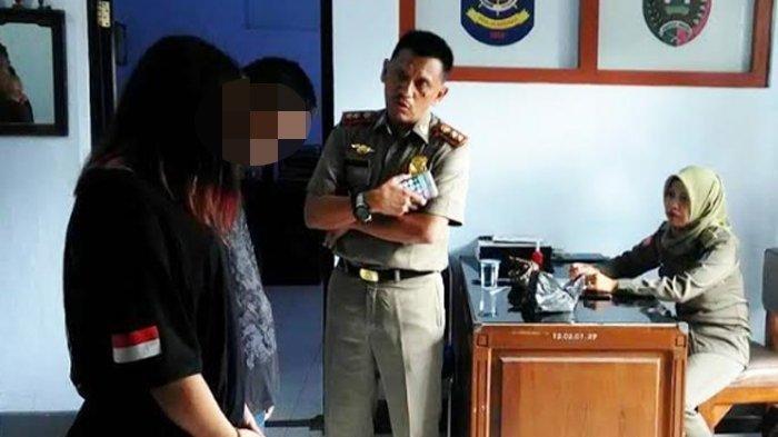 Diduga Kumpul Kebo, 3 ABG Bugil Digrebek Satpol PP Jombang Saat Sedang Berpelukan di Rumah Kosong