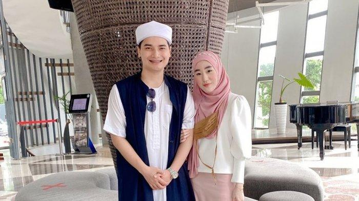 Pasangan Alvin Faiz dan Larissa Chou.