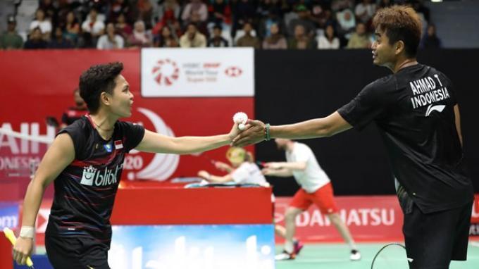 Pasangan anyar bulutangkis Indonesia, Tontowi Ahmad/Apriyani Rahayu mampu menunjukkan kualitasnya pada babak pertama Indonesia Masters 2020 di Istora Senaya, Jakarta, Selasa (14/1/2020).