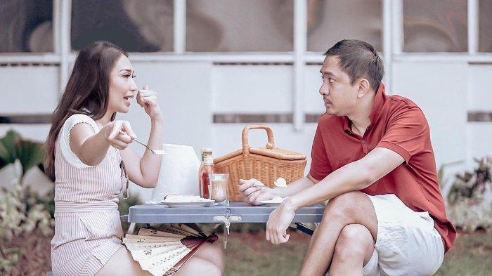 Cerita Ayu Dewi Pertama Kali Ungkap Perasaan ke Regi Datau, Merasa Ditolak: Gue Langsung Melongo