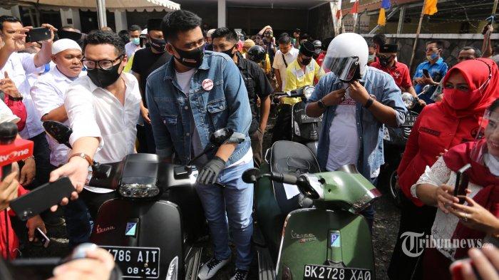 Momen Saat Putra Sulung Jokowi dan Sang Menantu Daftar KPU: Bobby Naik Vespa, Gibran Gowes Onthel