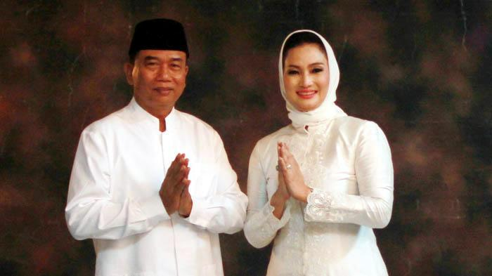 Penantang Risma di Pilkada Surabaya, Rasiyo-Lucy Siang Ini Daftar ke KPU