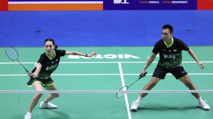 Pasangan ganda campuran Indonesia, Hafiz Faizal/Gloria Emanuelle Widjaja, tampil pada babak pertama China Open 2019 di Olympic Sports Center Gymnasium, Changzhou, China, Rabu (18/9/2019).