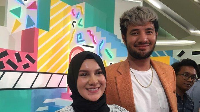 Pasangan Irish Bella dan Ammar Zoni  ditemui di kawasan Puri Indah, Jakarta Barat, Minggu (15/9/2019).